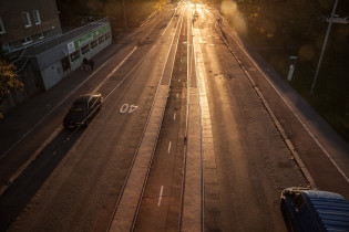 Busseja ja autoja Helsingin katukuvassa
