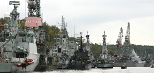 Sota-aluksia Aurajoessa