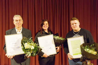Palkitut Meyerin Vesa Eskonen, Anita Saarenmaa ja Erik Mäkiniemi